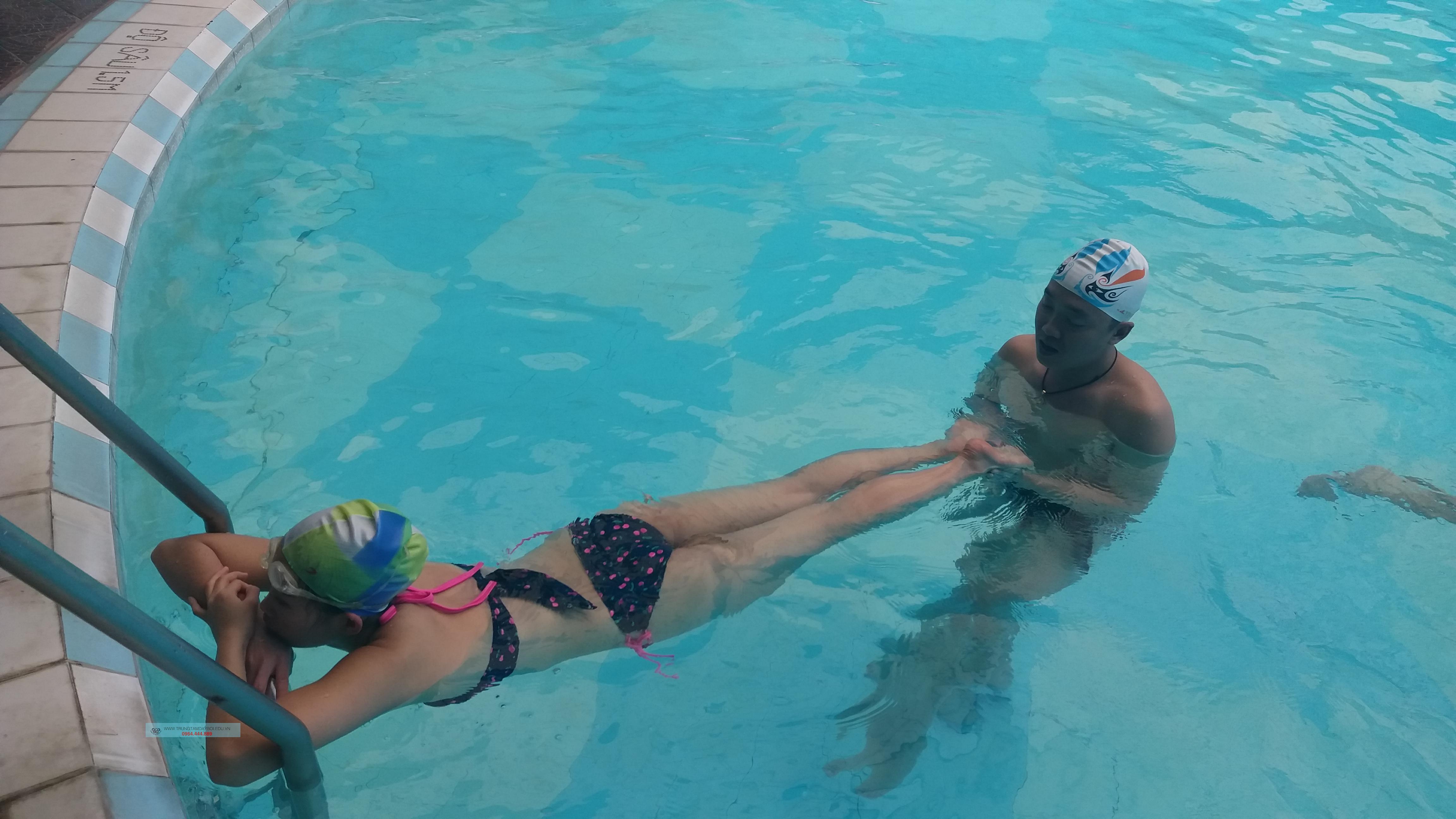 Thư giãn cùng Bơi Lội