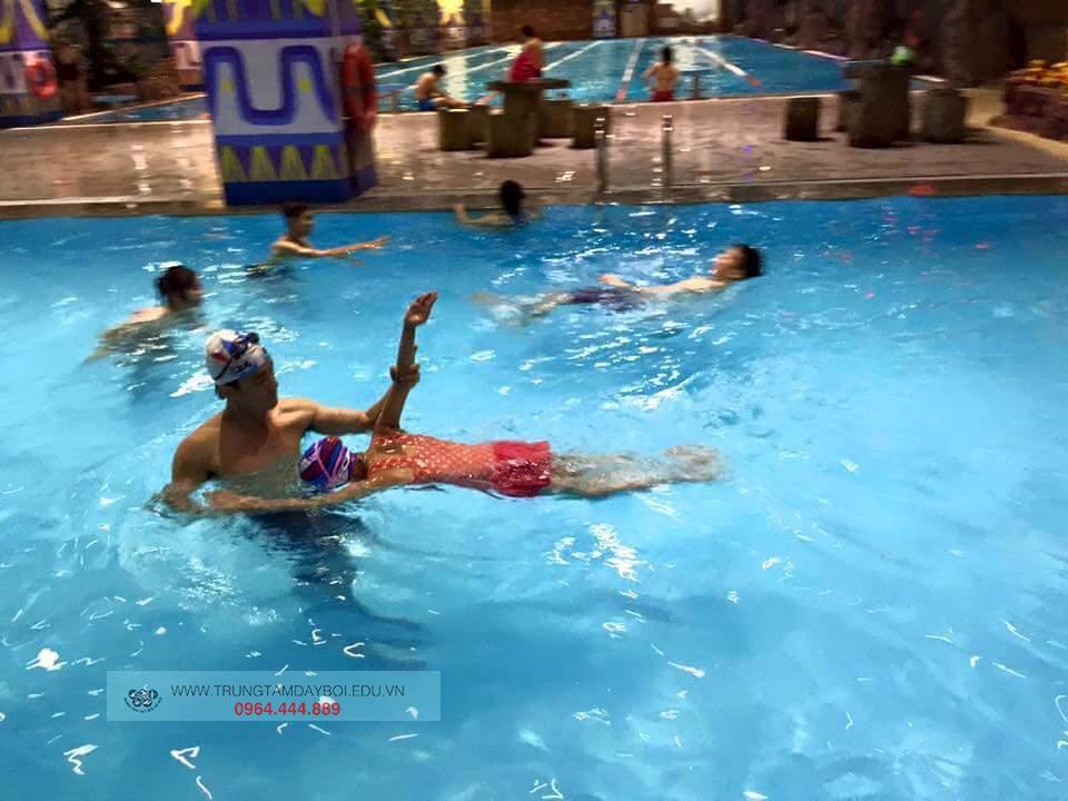 Bể bơi  Bể bơi