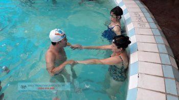 Hình ảnh lớp học bơi người lớn