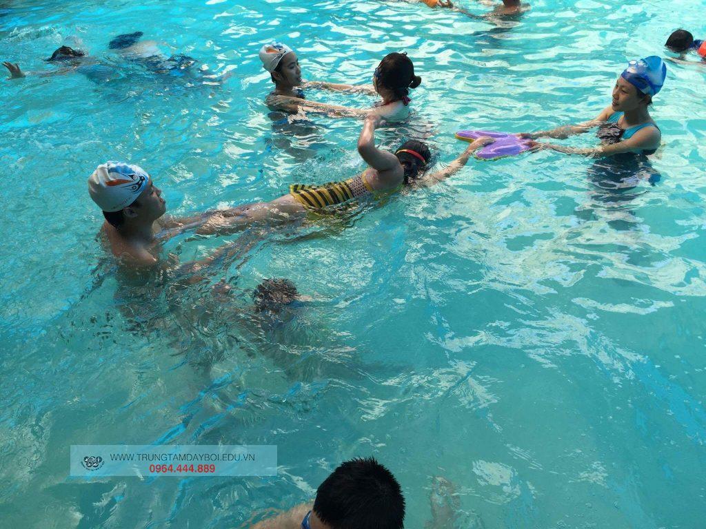 Hình ảnh lớp học bơi nâng cao 1