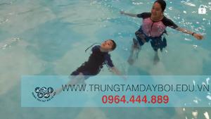 Trẻ em học bơi như thế nào?  Trẻ em học bơi như thế nào?
