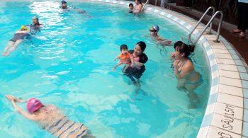 Lợi ích bơi lội với trẻ em - thúc đẩy các cơ quan trong cơ thể trẻ