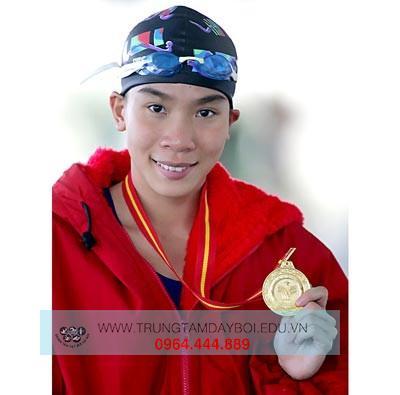 Bông hoa đang nở vội tàn của bơi lội Việt Nam - Nguyễn Thị Kim Tuyến