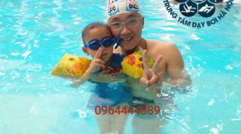Dạy bơi cho trẻ em